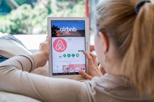 airbnb-krotki-przewodnik
